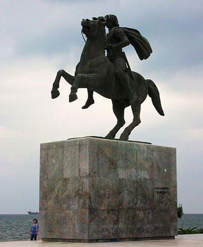 Statue of Alexander in Thessaloniki