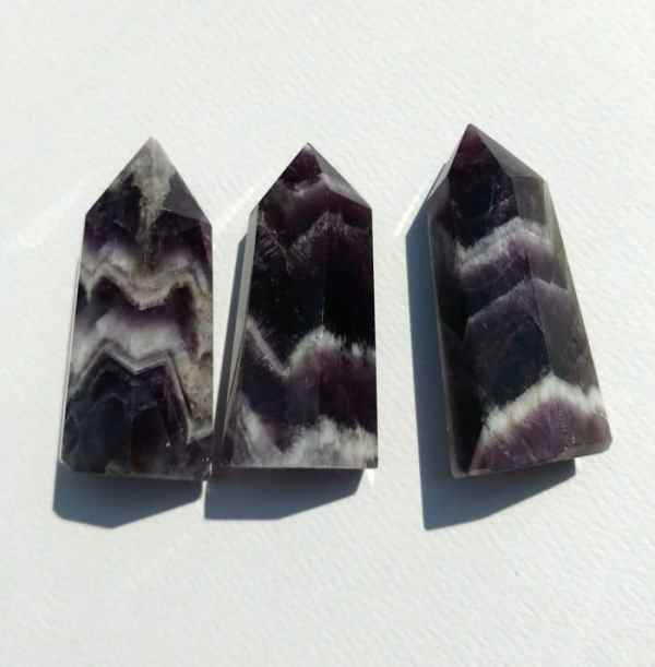 chevron amethyst carved points