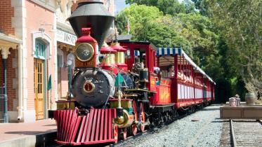 rail-road-disneyland-1