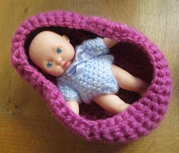 coufin poupée au crochet