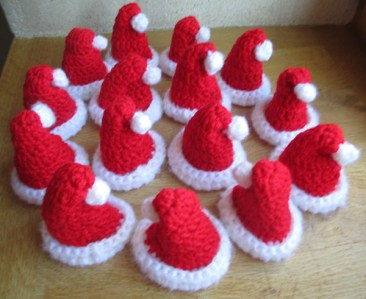 mini bonnets Noël crochet