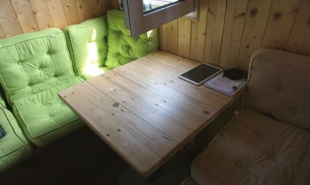 Tischplatte aus alten Holz Paletten selbst herstellen