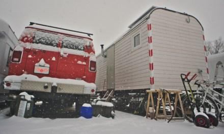Der Winter beginnt: Wir heizen mit Holz