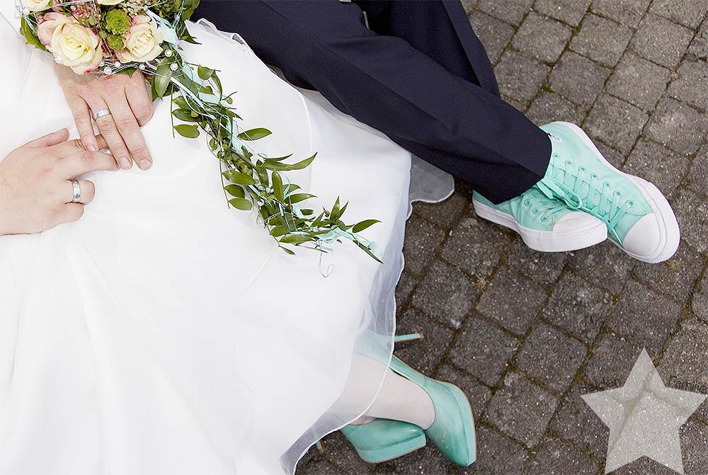 Hochzeit - Dresscode - Brautkleid und Hochzeitsanzug