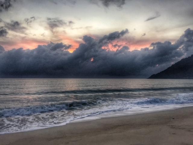Wolkenspiel im November, Khanom Thailand