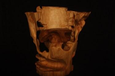 holz-skulptur-kunstwerk