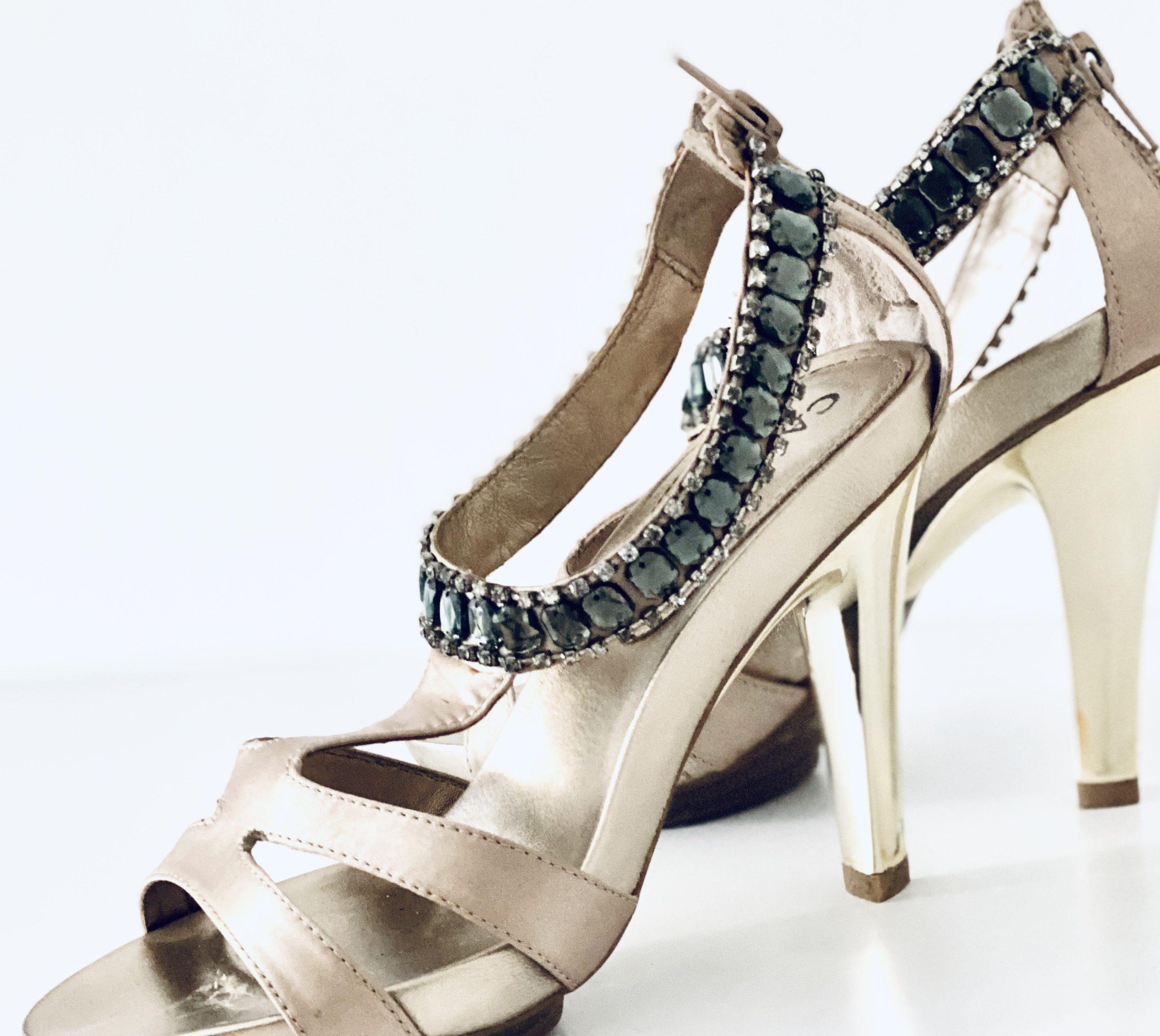 Wichsen Beim Schuhe Schnüffeln