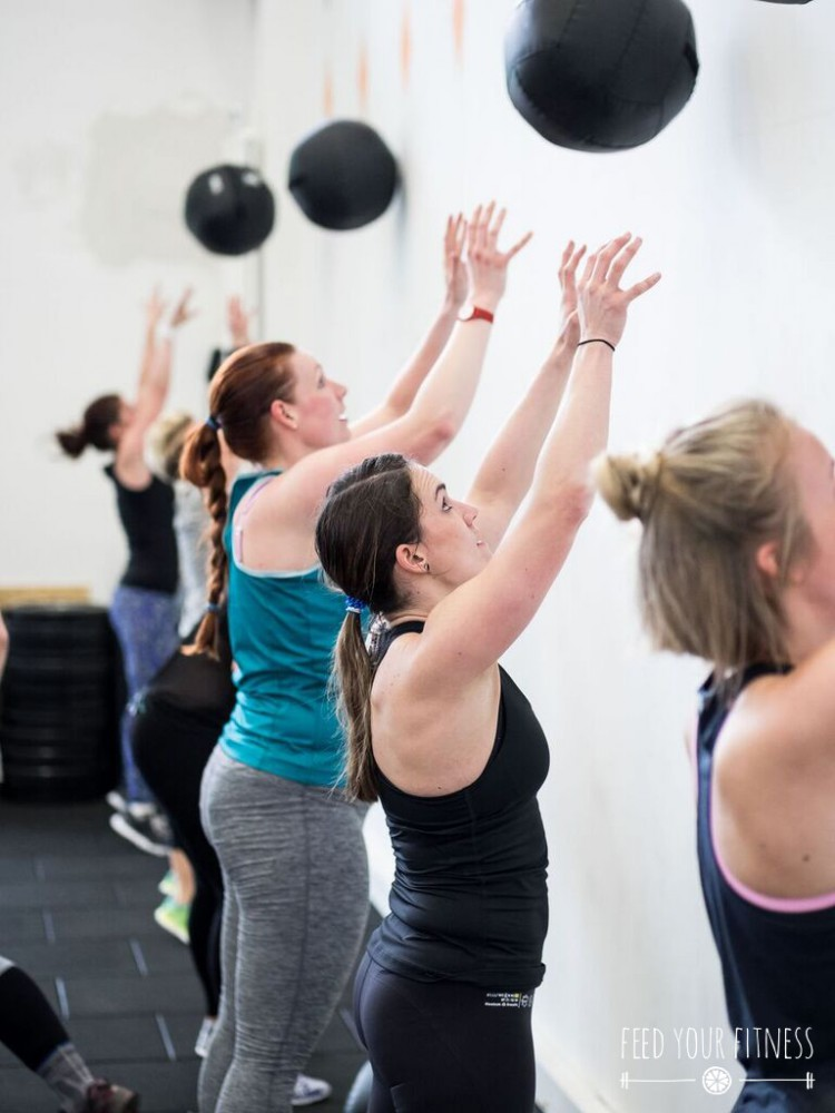CrossFit Bloggertreffen von FEED YOUR FITNESS Wall Balls