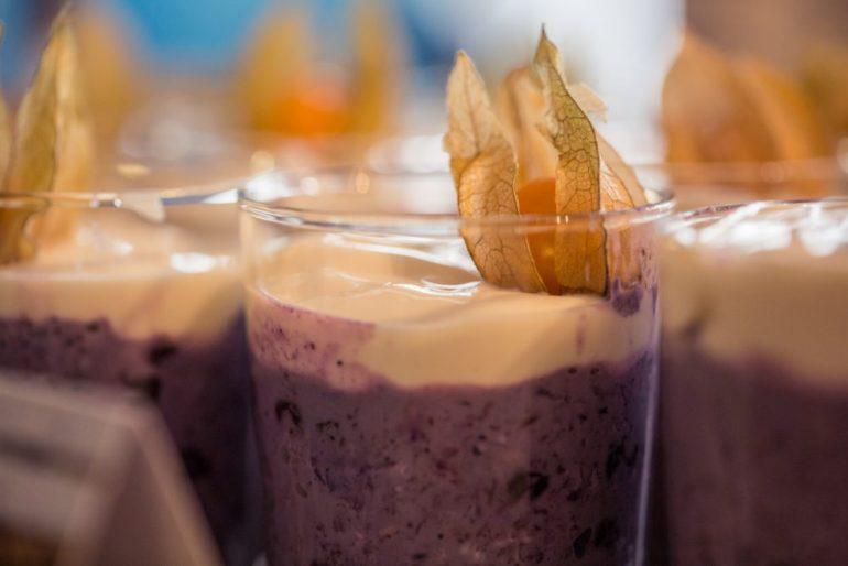 FEED YOUR FITNESS_Frühstück verbindet Overnight Oats mit Blaubeeren (Blueberry Overnight Oats)