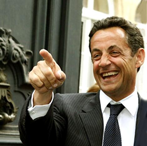 6 mai : Second tour de lélection présidentielle de 2007 en France ; le candidat UMP Nicolas Sarkozy est élu président de la République française avec près de 53,06% des voix exprimées, contre la socialiste Ségolène Royal qui obtient 46,94%.