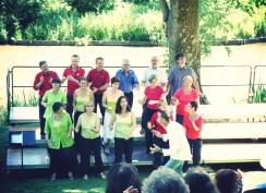 la chorale jazz d'Yvetot au festival Voix et Chemins de Clères dirigée par Didier Beloeil