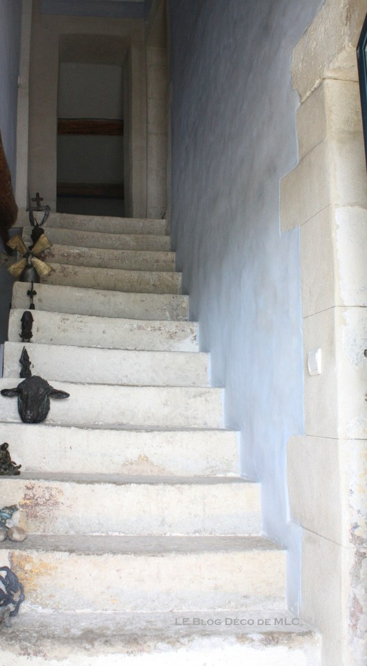 déclinaison-bleu-deco-maison-escalier-bleu