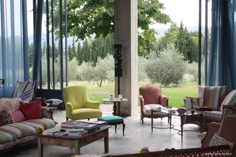 maison-en-provence-salon-louis-15-couleurs