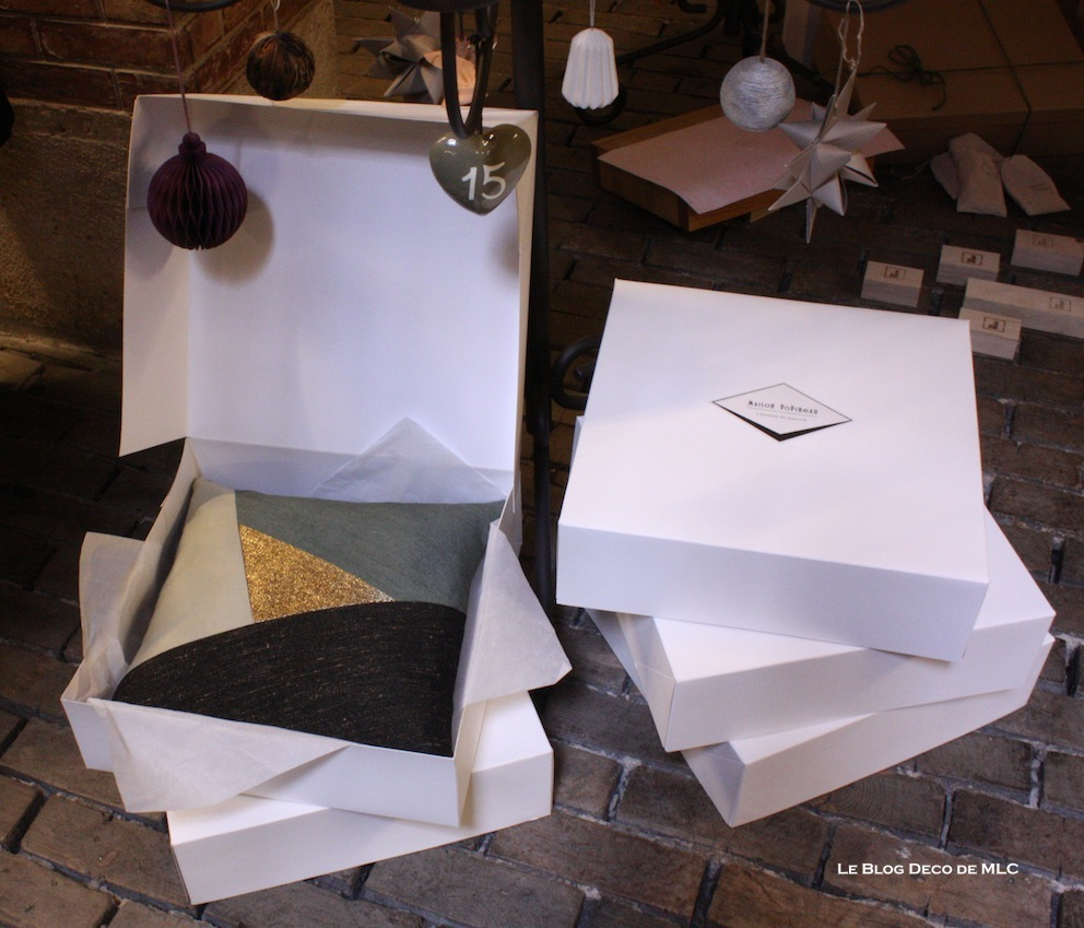 Sélection-joli-cadeau-déco-Noël-pour-elle-coussin