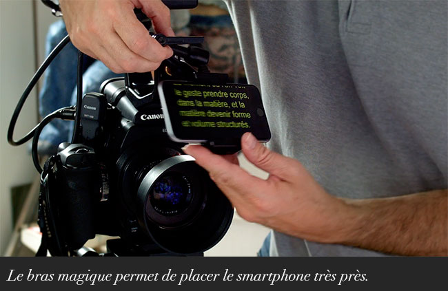 Le bras magique permet de placer le smartphone très près.