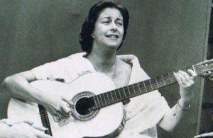 Chabuca Granda à la guitare