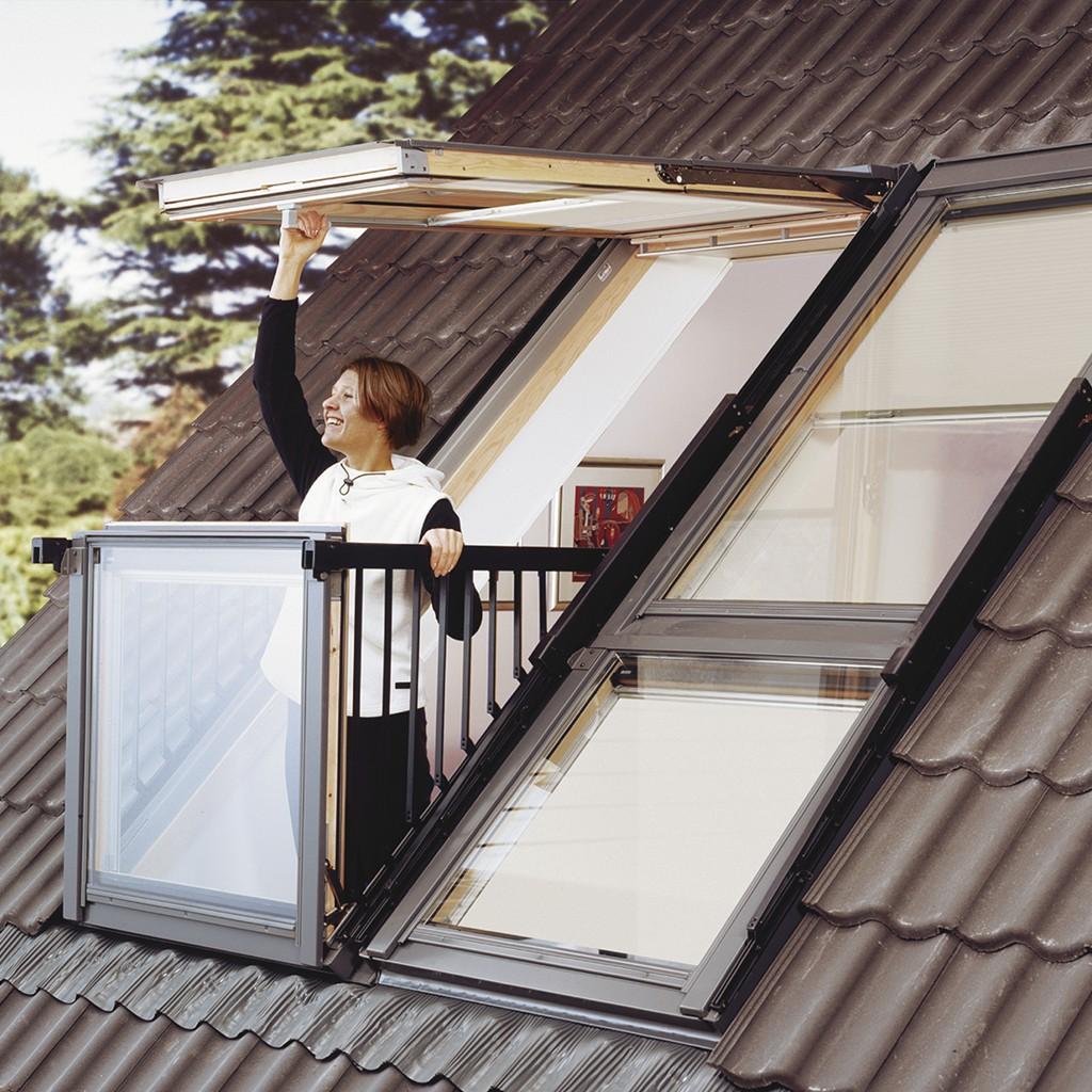 Fen tre de toit cabrio de velux se transforme en balcon for Fenetre qui se transforme en balcon