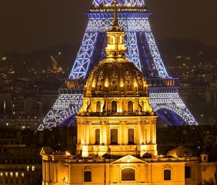 Torre Eiffel e Igreja dos Invalides a noite