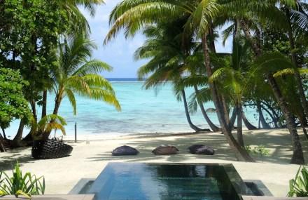 Piscina e acesso a praia dos bungalows