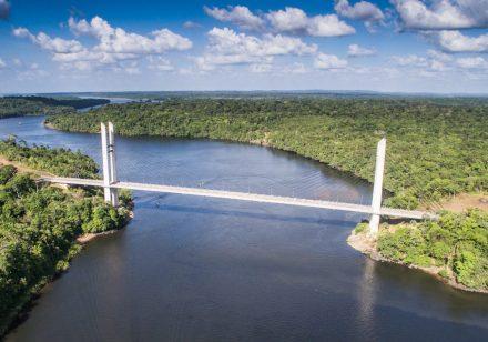 A ponte sobre o Rio Oiapoque