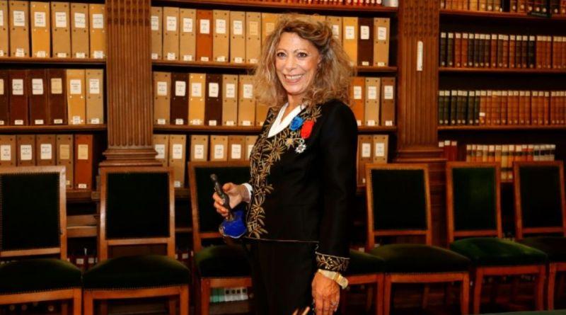 Entrée à l'Académie française de Barbara Cassin - Le blog du hérisson