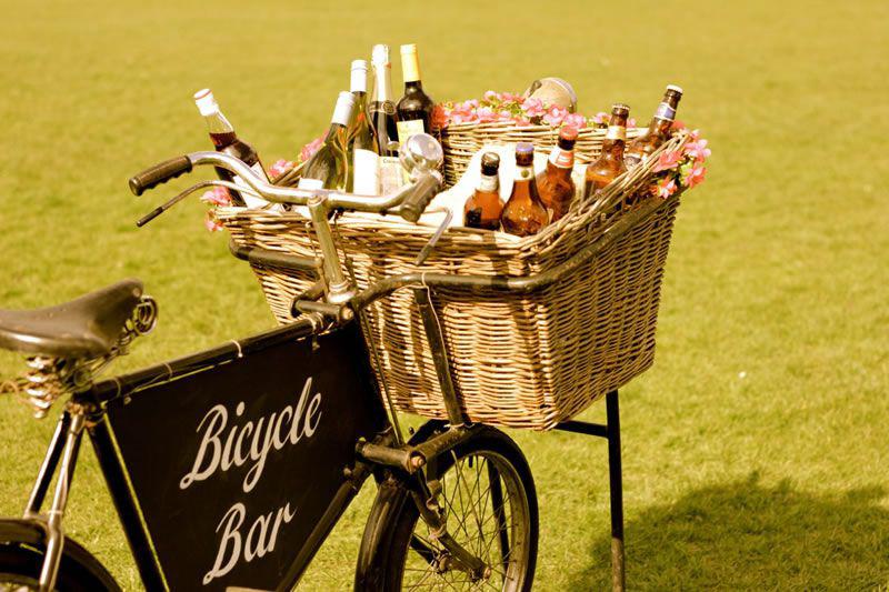 Cocktail sur vélo pour un mariage champêtre - Le blog du hérisson