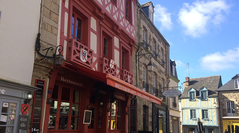 Flâner à Josselin   Morbihan - Le blog du hérisson