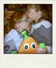 mel et cam-tendresse de deux soeurs pour #25ansvml