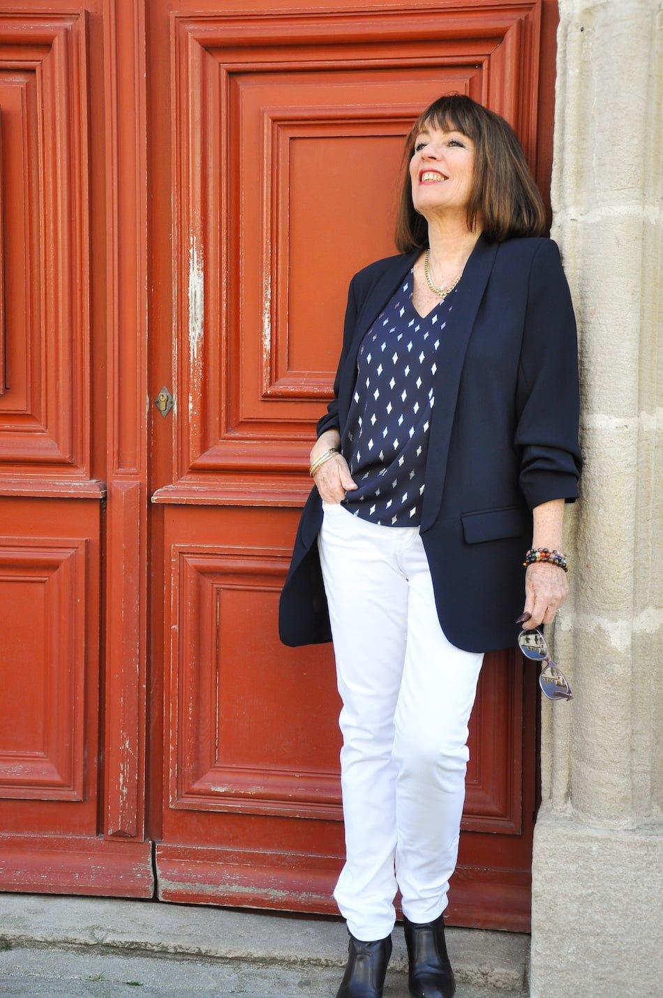 Un pantalon blanc pour les beaux jours chez Denimstudio