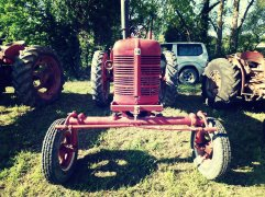 Plusieurs tracteurs IHC étaient exposés ce dimanche à Ondes.