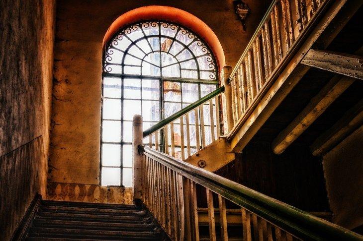 Comment Bien Renover Son Escalier En Bois Le Blog Maison