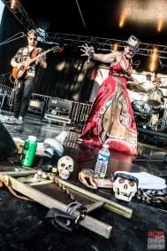 Stephanie Océan Ghizzoni (vocals, washboard), Luigi Cerpelloni (guitar, ukulele), Paolo Xeres (drums, percussions). Alligator Nail @ 5ème Blues Party, Les Jardins du Millenium, l'Isle d'Abeau (France), 10.06.2017. (c) Christophe Losberger