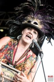 Stephanie Océan Ghizzoni (vocals, washboard). Alligator Nail @ 5ème Blues Party, Les Jardins du Millenium, l'Isle d'Abeau (France), 10.06.2017. (c) Christophe Losberger