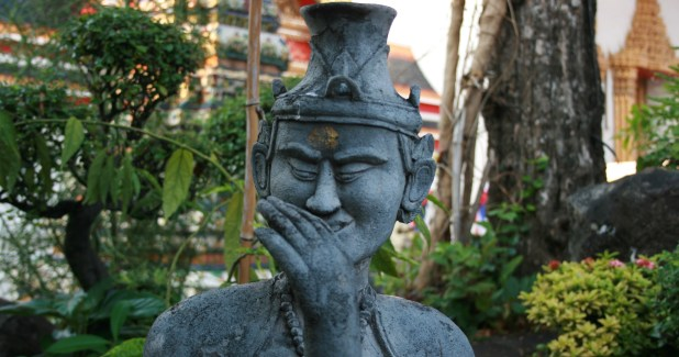 bangkok rire de statue