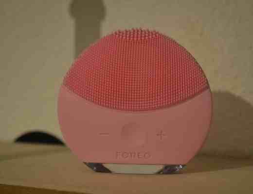 Foreo Luna Mini 2 rose soin peau conseil solution face avant