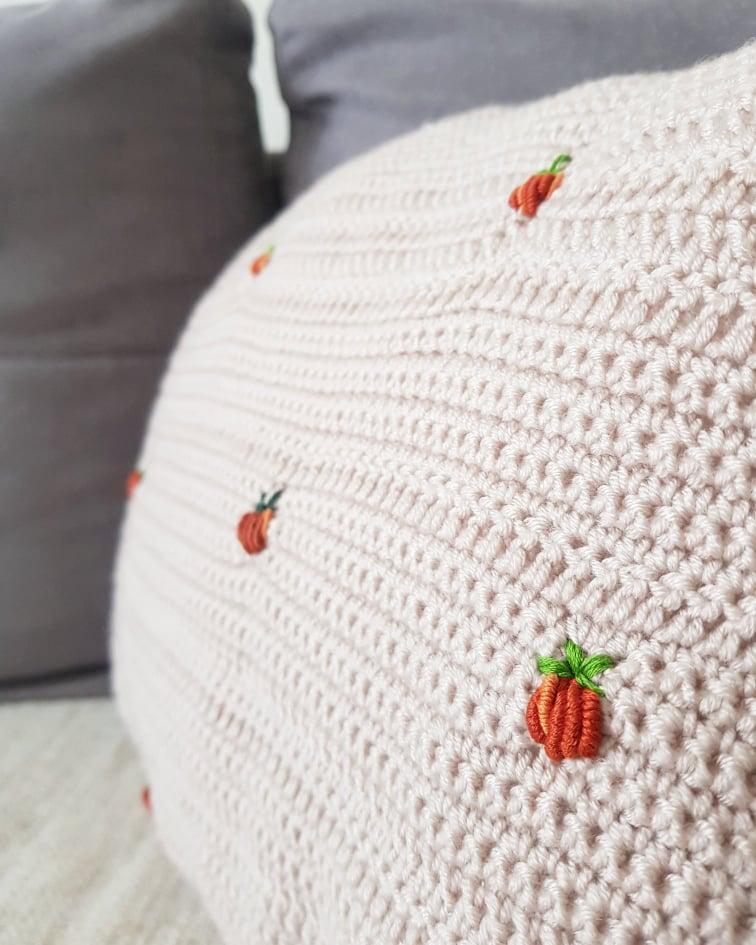 easy crochet pillow diy