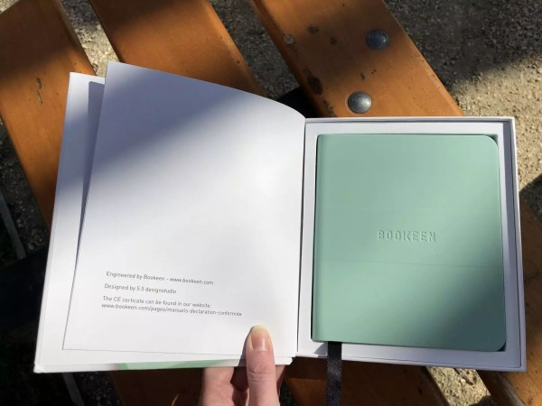 packaging ouvert liseuse bookeen saga