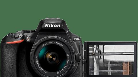 Nikon D5600 DSLR + Lens