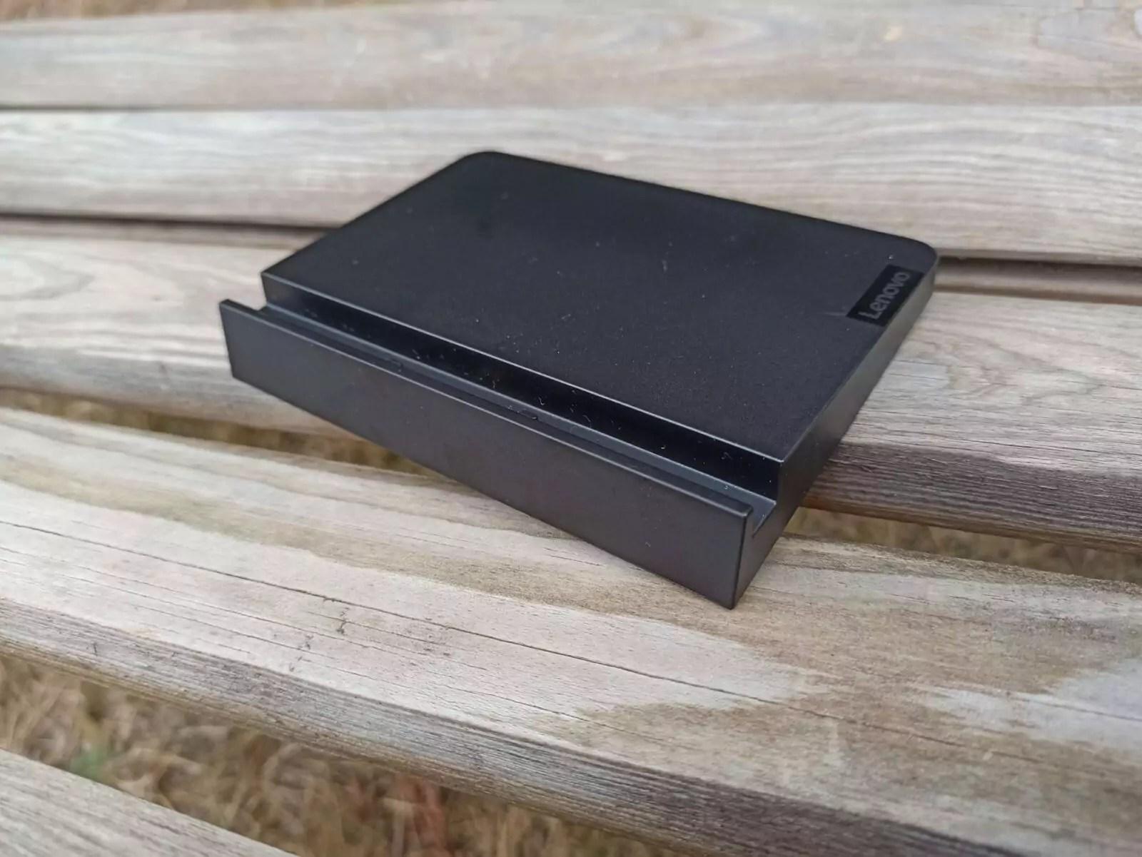 Lenovo-Tab-M10-FHD-Plus-2e-gn.-station-d-accueil-1