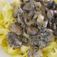 Pâte aux champignons et à l'huile de truffe