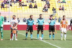 lecce-messina-0-1-arbitro-mantelli