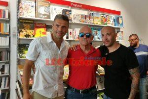 Max Tonetto ed Ernesto Javier Chevanton con il dottor Peppino Palaia