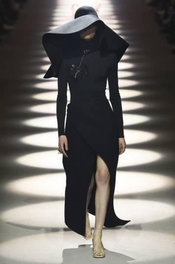 fashion-week-paris-Givenchy-2