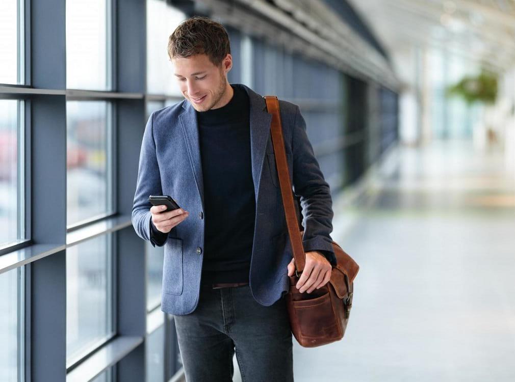 ¿Te preparas para la vuelta al trabajo? Entonces, pon atención a las siguientes opciones de streetstyle. Renueva tu estilo para el éxito profesional.