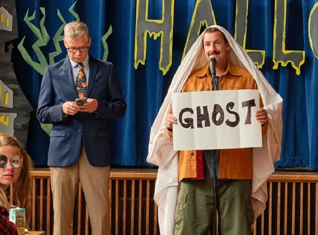 escena de adam sandler |Estrenos de octubre| Netflix | Le chat magazine