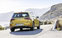 Volkswagen Golf - photo Volkswagen