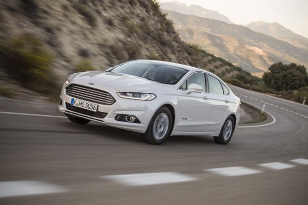 Mondeo Hybrid_image Ford