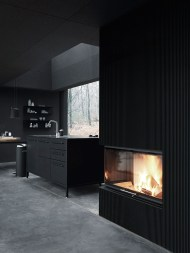 Vipp701-Shelter-Fireplace-Living01-XLow