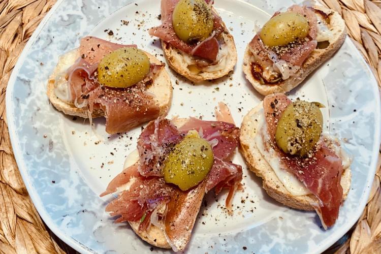 Schinken-Oliven Häppchen