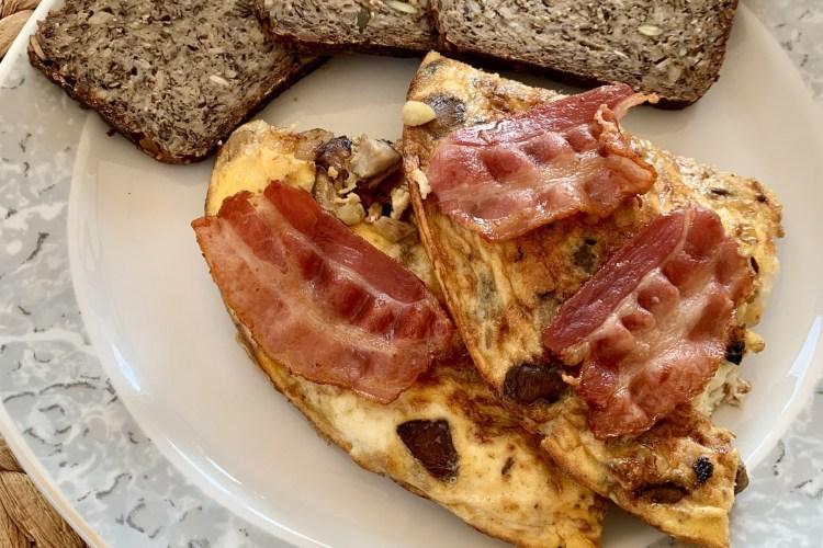 Omelette mit Champignons und Bacon